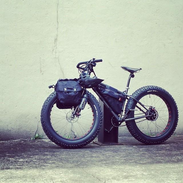ツーリング自転車部:Surly Moonlander Fat Bike